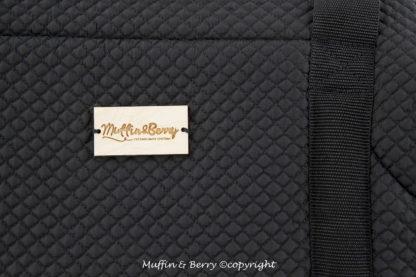 Detail Holzlabel schwarze Hundetragetasche