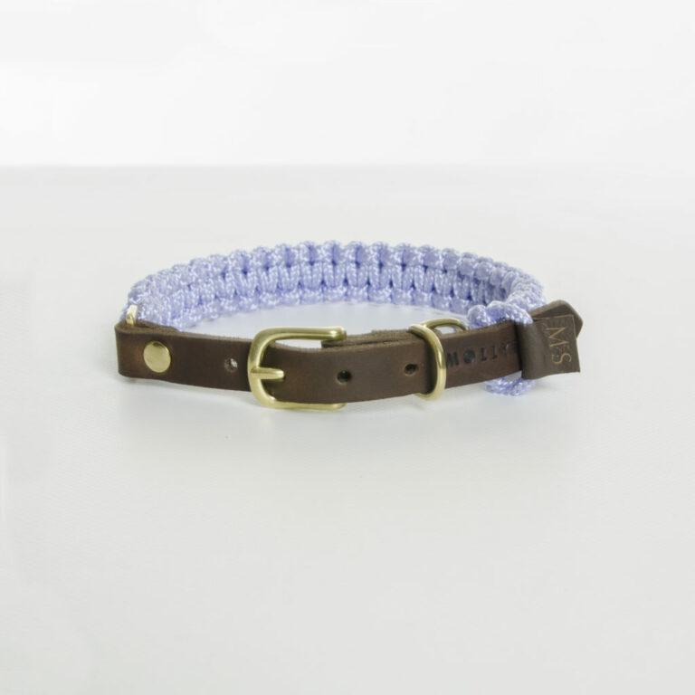 aus Segeltauen geflochtenes Halsband von Molly and Stitch in Hellblau mit Lederverschluss