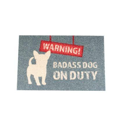 """Fussmatte mit dem Text: """"Badass dog on duty"""""""