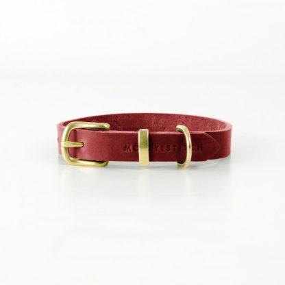 rotes Lederhalsband von Molly and Stitch mit Messingverschluss