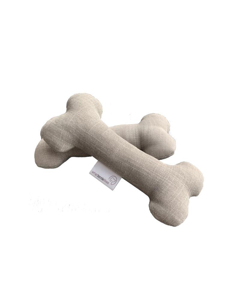 zwei graue Stoffknochen von whatlassielikes als Hundespielzeug