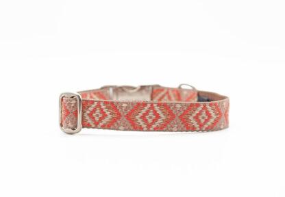 korallenrotes Hundehalsband im Boho Stil verstellbar